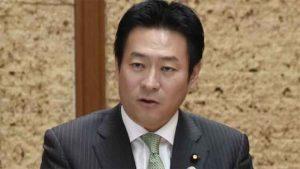 وزير الدفاع الياباني السابق ينفي استلام رشوة