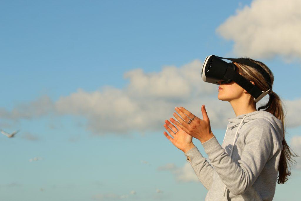 واقع الافتراضي